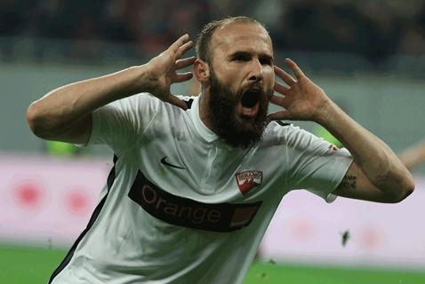 """Dinamo renunţă la Puljic! Andone: """"Ne-am luat gândul!"""" De ce s-a supărat Fălcosul pe fundaş. Maxi Oliva şi un croat, următoarele ţinte ale """"câinilor"""""""
