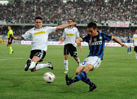 Primul jucător adus de Mutu la Dinamo! Un fost coleg al Briliantului din Serie A, sub comanda lui Andone
