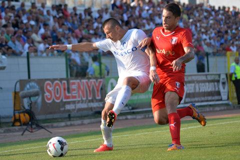 Ţinuţi în viaţă de aparate. FC Botoşani - Astra 0-0, după un meci dominat de moldoveni. Campioana zace pe locul zece, la 14 puncte de Steaua