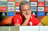 """""""Se ne bată Dinamo cum vor ei şi cât vor ei! Le spun şi echipa... Chiar nu mă interesează!"""" Şumudică şi Astra mizează doar pe Europa League"""