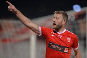 """Dinamo - ASA Târgu Mureş 1-0. Golul lui Nemec îi duce pe """"câini"""" pe locul cinci. Final de meci cu o eliminare, o bară şi un penalty ratat"""