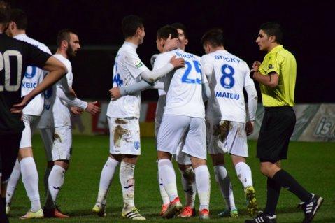 CS Universitatea Craiova - Hibernians FC, scor 3-1, într-un meci amical disputat în Malta! VIDEO | Puştiul care nu are voie să joace în Liga 1 a marcat două goluri