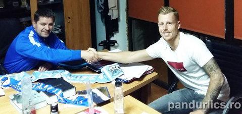 Flavius Stoican a testat la Pandurii încă o serie de jucători veniţi să prindă transferul carierei. Clubul gorjean a bătut palma cu un fundaş olandez