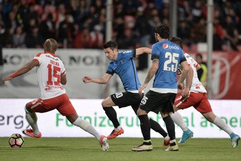 Dinamo - Viitorul 2-1. Sergiu Hanca îşi menţine echipa în lupta pentru titlu. Viitorul face un nou pas greşit în cursa pentru prima poziţie