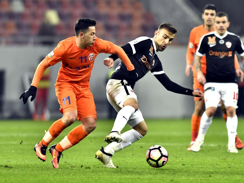 """FCSB, aproape să facă încă un transfer: """"Avem ofertă şi de la PSV. Domnul Becali ne-a zis câţi bani ne dă pe el"""""""