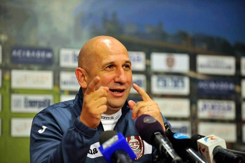 """""""Am urcat pe locul trei, ţin să-mi felicit jucătorii"""". Miriuţă se uită la vârful clasamentului după victoria de la Giurgiu şi trage concluziile: """"Dacă Steaua bate Viitorul..."""""""