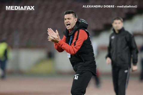 """""""Am avut o discuţie aprinsă la pauză, dar au reacţionat şi cred că meritam să câştigăm"""". Contra, discurs dur după scandalul cu Zlatinski: """"A venit şi ne-a înjurat. E o ură extraordinară la Craiova faţă de clubul Dinamo"""""""