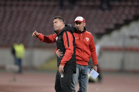 """Golul lui Zlatinski a declanşat scandalul! Reacţie incredibilă a lui Contra. Ce le-ar fi spus jucătorilor olteni la final: """"Cu noi vă daţi viaţa, cu Steaua..."""""""
