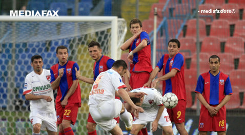 Dinamo-FCSB derby pentru titlu prima dată în ultimii 10 ani. Cele două echipe se găseau în situaţii asemănătoare cu cele de dinaintea meciului decisiv de acum