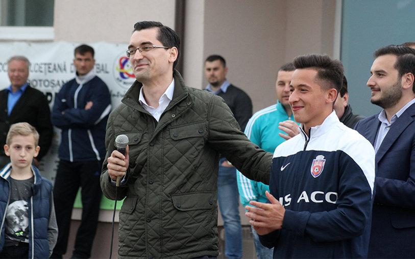 """Fotbalist de la FC Botoşani remarcat de preşedintele FRF. """"L-am încurajat să joace încă doi ani în România şi apoi să plece într-un campionat puternic"""""""