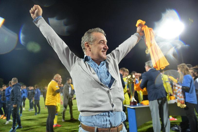 Reţeta succesului la FCSB! Cum s-a îmbogăţit Becali cu 2 milioane de euro peste noapte