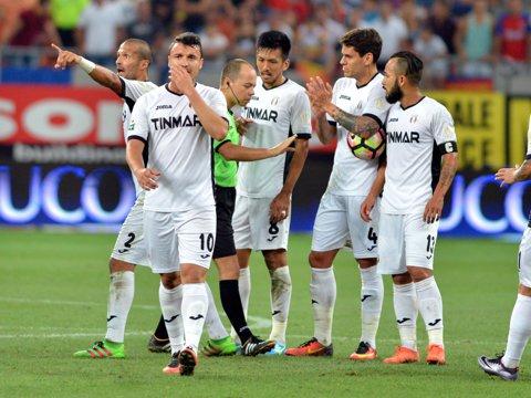 """EXCLUSIV   Astra s-a înţeles cu un club arab pentru transferul lui Budescu: """"Acum urmează cea mai grea parte, negocierea cu jucătorul!"""" De ce e Lovin personajul cheie al afacerii"""