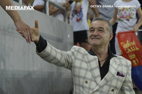 """Becali e convins că-l va lua pe Budescu, deşi Astra se opune: """"Ei nu-l pot ţine!"""" Patronul FCSB a anunţat un transfer şi spune că vrea să cumpere şi de la Hagi: """"Poate vorbim săptămâna viitoare"""""""