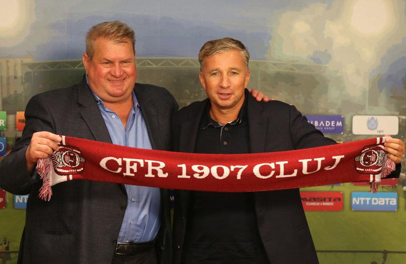 """Reacţia lui Dan Petrescu după ce CFR Cluj l-a transferat pe Bokila: """"Ca nume e OK, dar să vedem ce face pe teren!"""" Clujenii au negociat cu un super atacant: """"Era mai bun ca toţi"""""""