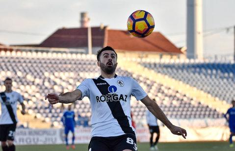 Al treilea transfer al verii. Fundaşul Valentin Creţu a semnat un contract pe un an cu ACS Poli Timişoara