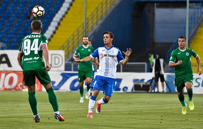Cu gândul la Milan, Craiova a rezolvat debutul în campionatul 100. Prima victorie pentru Mangia în România. CS U Craiova - CSM Poli Iaşi 2-0. Evoluţie foarte slabă pentru jucătorii lui Flavius Stoican