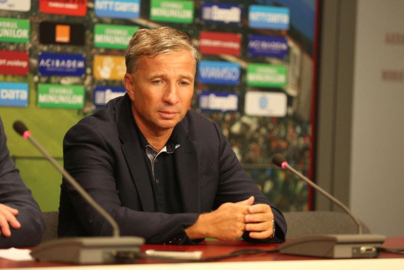 """Dan Petrescu le dă curaj oltenilor: """"Craiova are şanse cu AC Milan"""". Argumentele """"Bursucului"""" şi analiza luptei la titlu, unde îl vede tot pe Hagi în pole-position"""