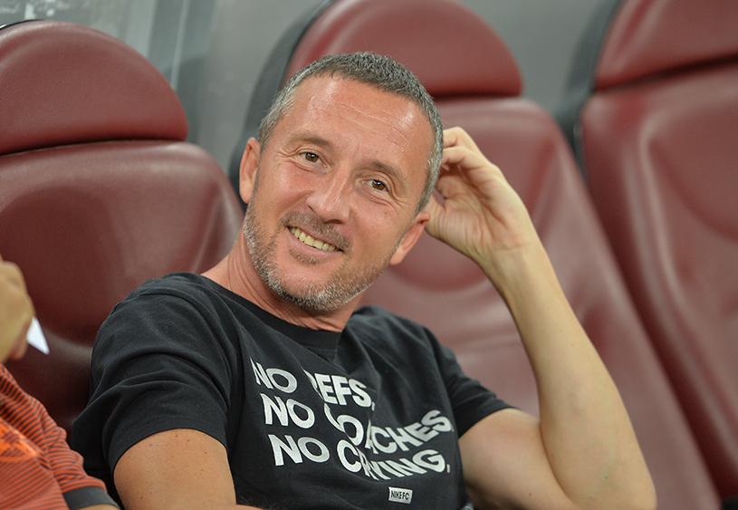 """Mihai Stoica a început războiul cu Dinamo. Ironii faţă de marea rivală, chiar în timpul meciului: """"Abia aştept să aflu motivul pentru care..."""""""