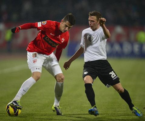 """Fiul lui """"Figo din Banat"""" şi-a încheiat contractul cu Dinamo şi revine la Timişoara. Mijlocaşul speră să-şi relanseze cariera după ce la """"câini"""" a jucat în Liga 1 în doar 3 meciuri în 6 ani"""