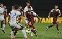 """Seara în care """"Bursucul"""" a fost """"Rege"""". Petrescu a câştigat duelul """"titanilor"""" cu Hagi. CFR - Viitorul 2-0, după un joc în care campioana a fost dominată clar"""