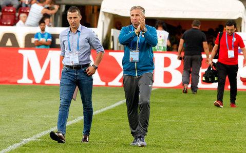 """""""Sunt convins că se califică! Au şanse mari."""" Echipa pe care Dan Petrescu pariază înaintea preliminariilor şi dorinţa pentru meciurile jucate de reprezentantele României în Europa"""