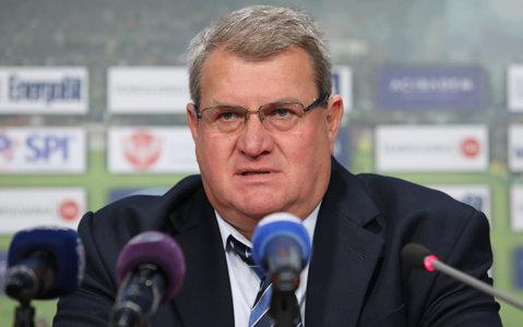 """Iuliu Mureşan se amuză de rivalele la titlu: """"Celelalte echipe sunt foarte concentrate pe banderole şi acuze, dar uită că au de câştigat meciuri"""""""