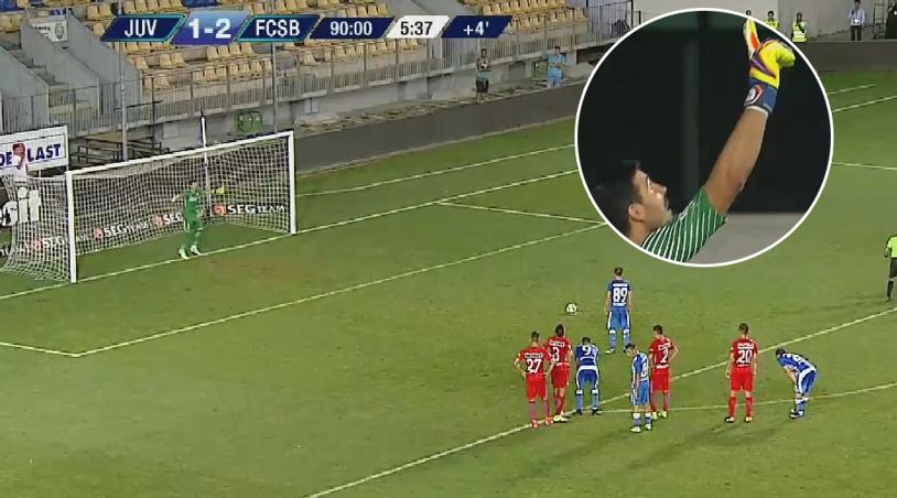 ABSOLUT JENANT! Cum a putut să execute Călinţaru penalty-ul primit de Juventus în minutul 90+5 al meciul cu FCSB, la 1-2! A vrut să-l umilească pe Niţă, dar s-a făcut de râs. Mijlocaşul a fost bruscat de colegi