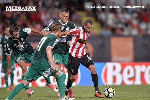 Prea puţini fani, prea puţin fotbal. Dinamo - Sepsi 1-0, după golul lui Hanca dintr-un penalty contestat. Doar câteva sute de spectatori au fost la meci