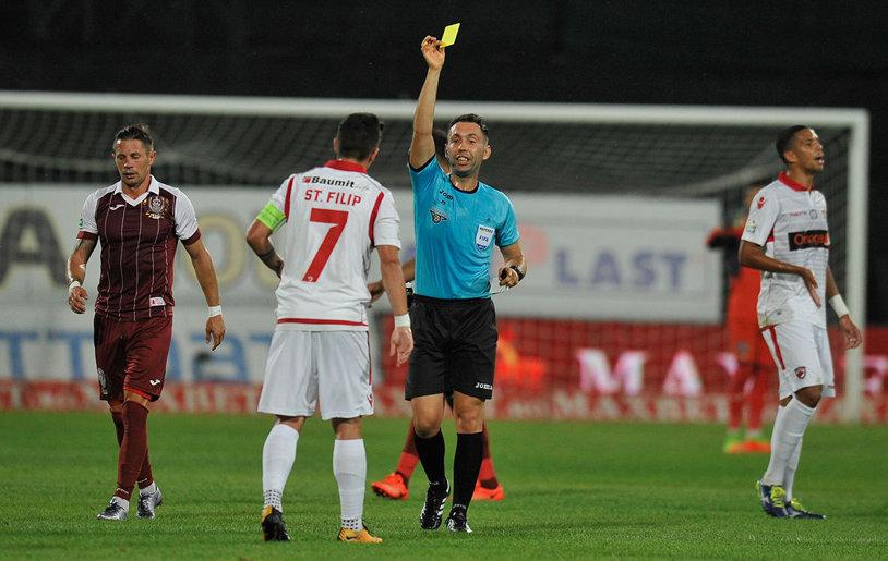Gestul stupid al lui Steliano Filip ar fi putut-o costa pe Dinamo! Fundaşul alb-roşu nu se poate abţine, deşi e lider într-un clasament deloc onorabil | FOTO