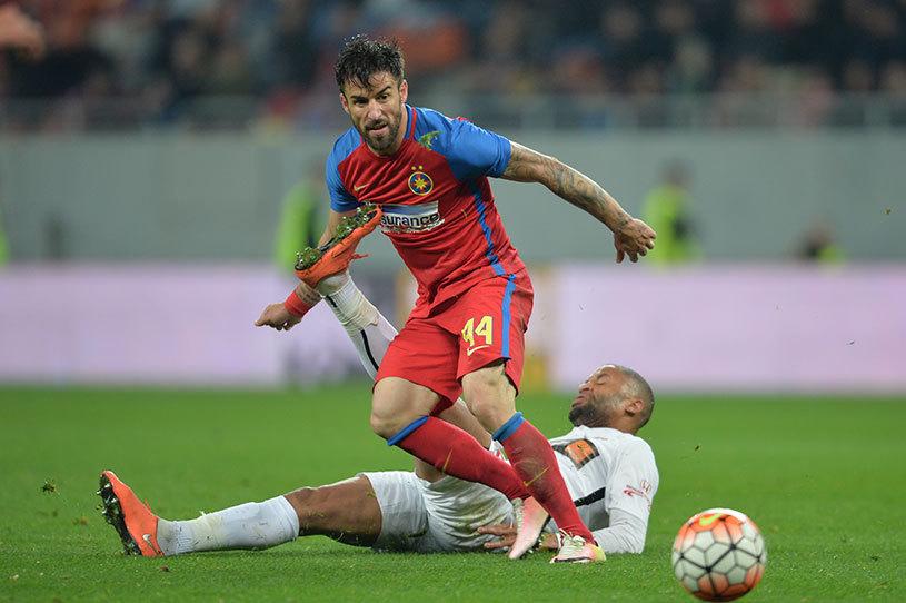 """Enache l-a sunat pe Gigi Becali: """"Nu m-am plâns că a venit Benzar! Vreau să-mi dau viaţa pe teren"""". Răspunsul primit de la finanţatorul FCSB"""