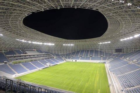 FOTO   Imagini superbe cu noul stadion din Craiova. Cum arată noaptea, când este luminat