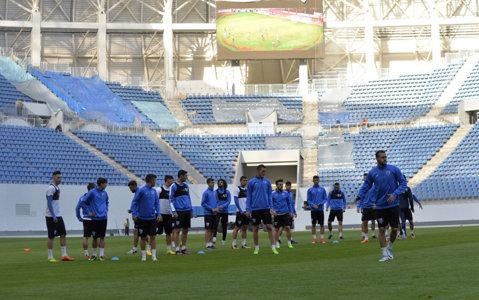 """""""Se putea şi mai bun!"""". Jucătorii Craiovei n-au fost mulţumiţi de gazonul de pe noul stadion"""