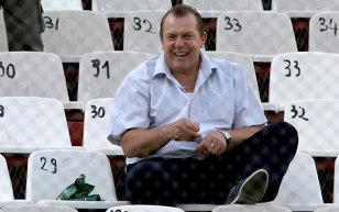 """Duckadam râde de Iftime, după ce patronul de la FC Botoşani l-a acuzat că nu se pricepe la fotbal! """"El se pricepe la tot. Sunt convins că..."""""""