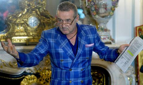 """""""Tot ce se întâmplă e numai şi numai în favoarea mea"""". Becali, reacţie marcă înregistrată când a aflat că Negoiţă vrea două milioane de euro pentru a vinde Dinamo. Înţepături pentru Talpan"""
