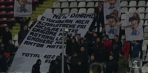 """Fanii nu-l iartă pe """"Pinocchio"""" Negoiţă! Mesajul sugestiv afişat la meciul cu CFR"""