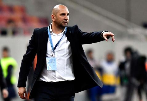 """De ce îl scoate vinovat pe Miriuţă preşedintele de la Dinamo: """"Dacă a declarat asta, poate să plece şi astăzi!"""". Urmează o întâlnire antrenor-conducători în """"Ştefan cel Mare"""""""