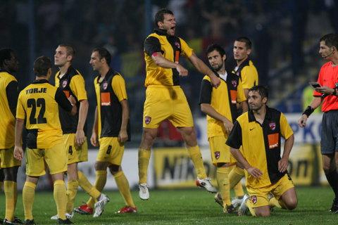 """Dinamo a vrut o LEGENDĂ în conducerea clubului, dar s-a speriat de condiţiile puse. """"Îmi asum un job pe care toţi dinamoviştii se aşteaptă la performanţe"""""""