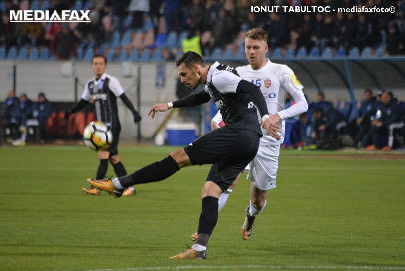 Enache şi ai lui, spaima campionatului. Botoşani e cu un picior în play-off după victoria frumoasă în faţa Craiovei, scor 1-0