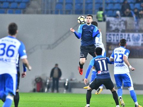 """CS U Craiova - Viitorul 3-1. """"Poneii"""" urcă temporar pe locul secund. Ţucudean a marcat superb, însă eliminarea lui Ţîru a decis jocul"""