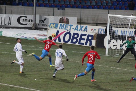 Complexul FCSB. Vicecampioana respiră după 3-0 cu FC Botoşani, meci în care a pierdut doi fotbalişti importanţi