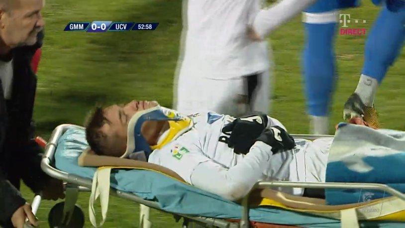 Gafă de proporţii a medicilor de la meciul Gaz Metan - CS U Craiova. FOTO | Cum i-au pus gulerul cervical lui Olaru