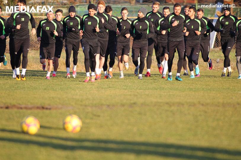 ACS Poli a plecat în cantonament, iar un nou titular se desparte de echipă. Numele noi vin din Liga a 5-a şi din Africa de Sud