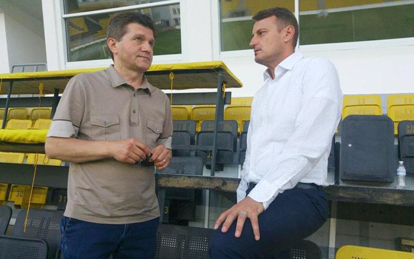 După rateul de la Iaşi, Fotbal Hebdo se mută la un alt club din Liga 1. Primul pas a fost făcut. CSM Poli se teme că firma de impresariat îi va fura jucătorii şi a luat măsuri