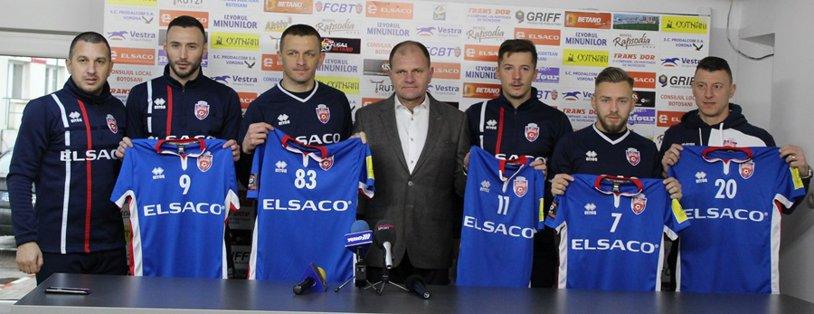 FC Botoşani şi-a prezentat cele cinci achiziţii! Trei foşti jucători ai FCSB-ului şi doi foşti dinamovişti, noutăţile lui Costel Enache