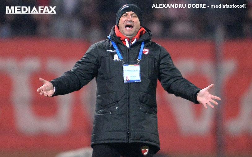 """Prezentare marca """"Miriuţă"""" a noilor transferuri de la Dinamo: """"Doar Papa Francisc mai poate veni. Cu ăştia mergem la război!"""" Fotbalistul cu un singur gol care-l devansează pe Rivaldinho şi cine """"va fi cel mai bun din ţara asta"""""""