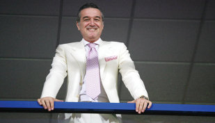 """Becali a anunţat două transferuri la FCSB! """"Azi o să vină"""". Finanţatorul vicecampioanei a pecetluit soarta unui fotbalist sosit în vară: """"Nu mai rămâne!"""""""