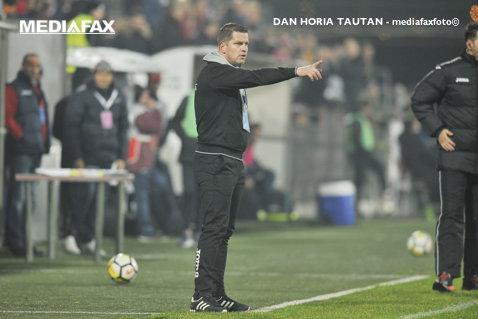 """Stoican visează la play-off după demonstraţia de forţă de la Voluntari: """"Mai avem trei finale"""". Antrenorul îi va face galeriei Craiovei la meciul cu Dinamo"""