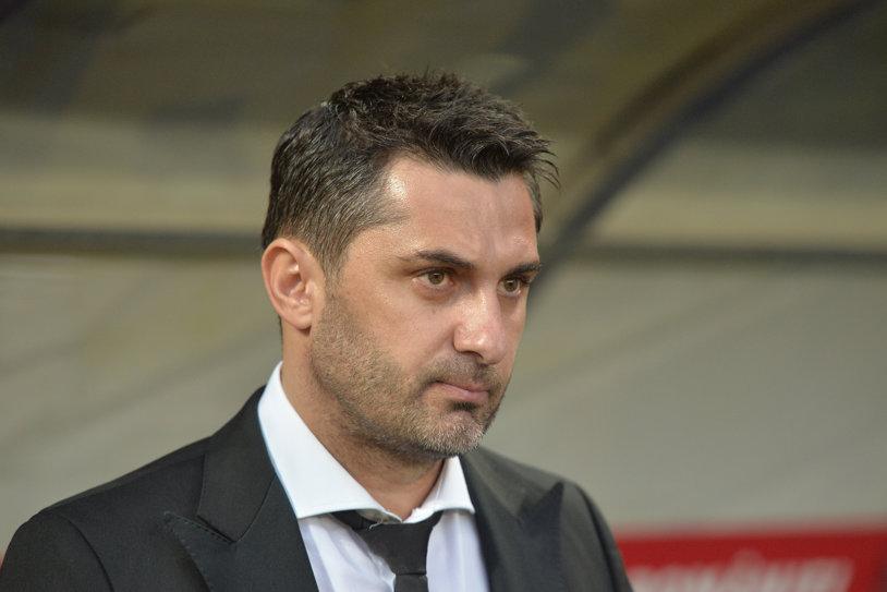 """Claudiu Niculescu s-a stăpânit cu greu în faţa camerelor: """"Nu e bine deloc! Vom vedea ce se va întâmpla de săptămâna viitoare"""""""