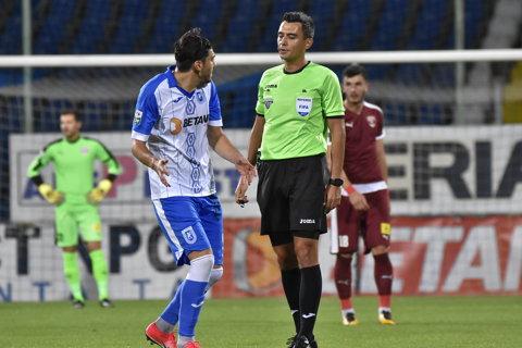 A fost văzut ca un transfer de senzaţie, dar a dezamăgit şi pleacă de la CS U Craiova după doar jumătate de campionat. Mangia l-a trimis în curtea altei echipe din Liga 1