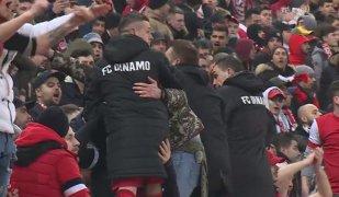 Torje şi Nistor cântau alături de fani înainte de golul lui Teixeira. VIDEO | Cum s-a reacţionat când mingea şutată de portughez a intrat în poartă